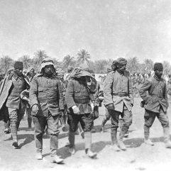قيادة الجيش العثماني في الحرب العالمية الاولى الذين شاركوا في معركة المنيور بالقرب من الاحواز