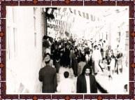 آية الله الشيخ محمد طاهر آل شبير الخاقاني مع عدد من أهالي البلاد حين استقباله2