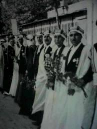 في بديات الاحتلال كانت الدولة الفارسية تسمح للعرب بارتداء الزي العربي لاغراض سياسية خاصة