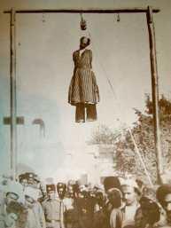 أقدم صورة تثبت غدر الفرس و اعدام الشيخ جباره النصوري احد امراء جنوب الاحواز والتمثيل بجثمانه في شيراز
