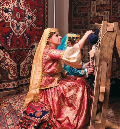 azeri-women-traditional-costumes-weaving-rugs