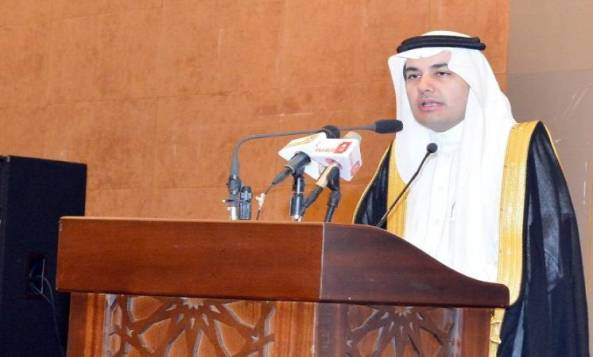 وزير الثقافة والاعلام الدكتور عادل بن زيد الطريفي